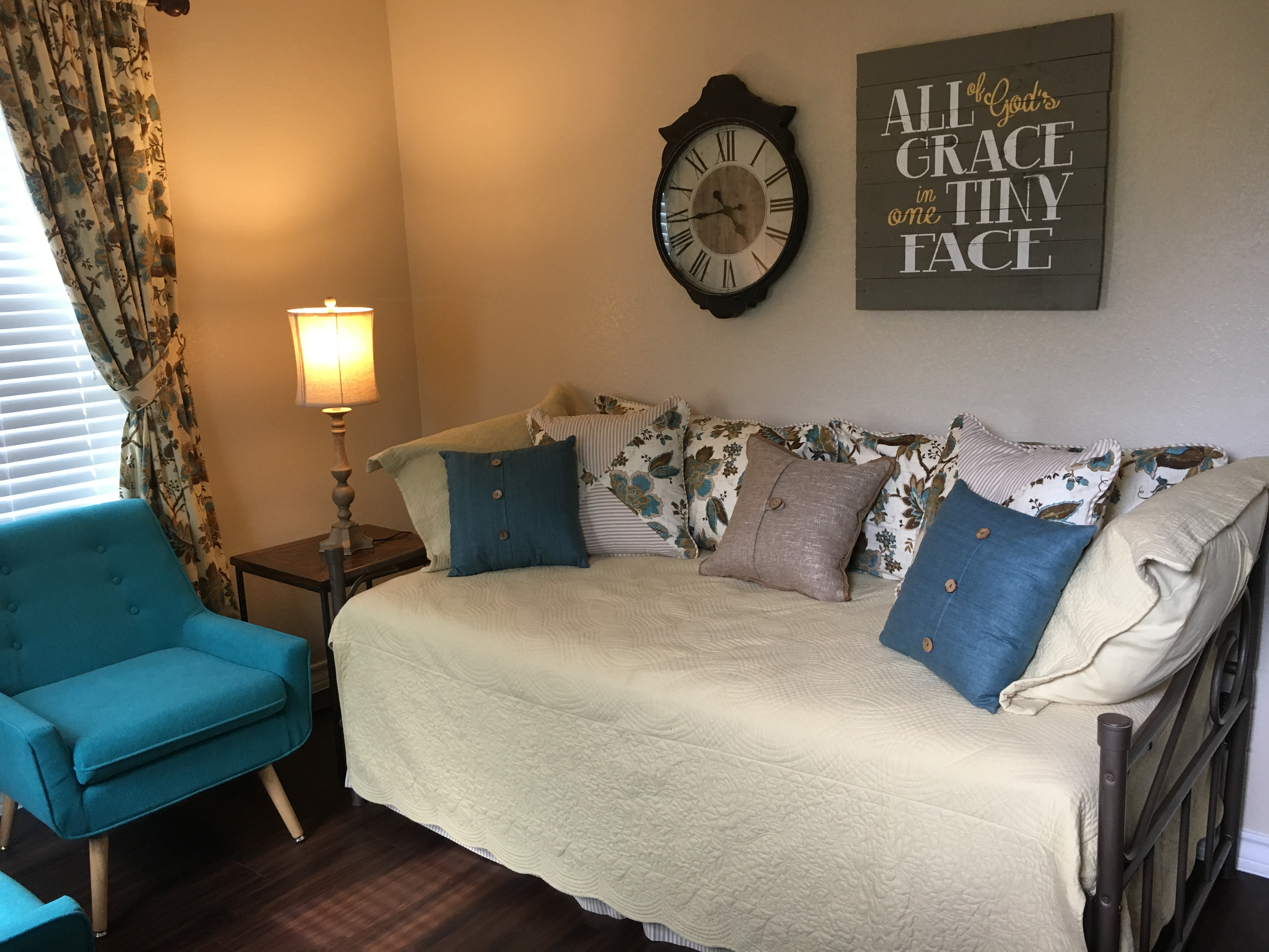 Harold/Elizabeth guest room