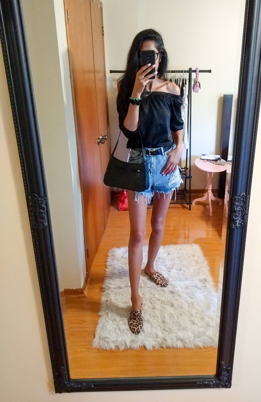 outfit of the day - cold shoulder top and ripped jean shorts