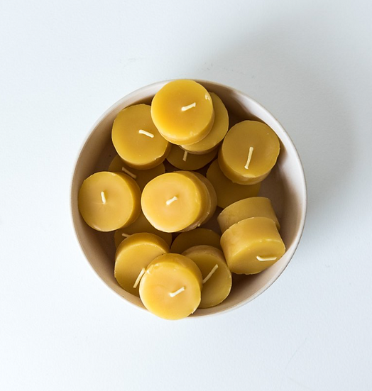Beeglo tea light beeswax candle