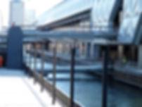 Canary Wharf Double decks Bridge.jpg
