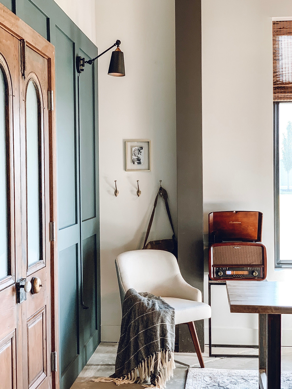 apartment therapy, behr midnight in NY, the simple farmhouse, simple farmhouse, the town church delaware, office makeover, industrial design