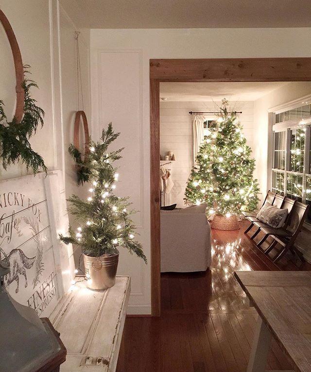 the simple farmhouse, christmas decor, farmhouse christmas, christmas for the hurting, encouragement at christmas, grieving at christmas, the simple farmhouse