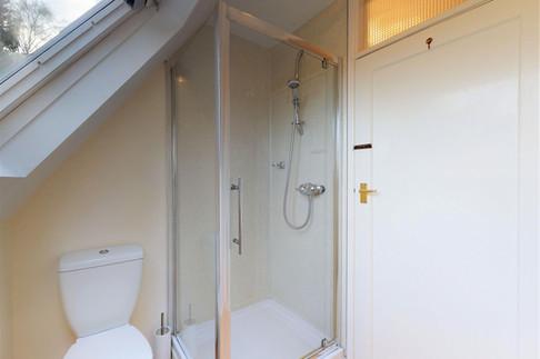 Curlew-Bathroom-WEB-2400.jpg