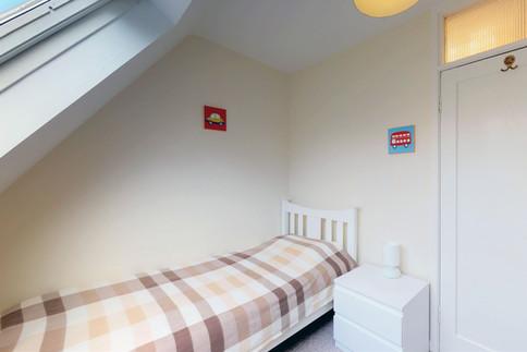 Curlew-Bedroom-3-WEB-2400.jpg