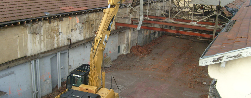 Démolition d'un bâtiment industriel à L'Horme