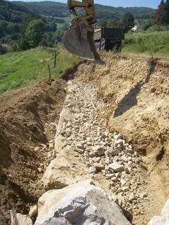 Confortement dConfortement de talus en contrebas d'une route départementale de la Loiree talus à Colombier