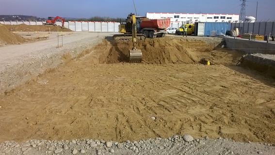 Terrassement d'une plateforme en site chimique à Salaise sur Sanne