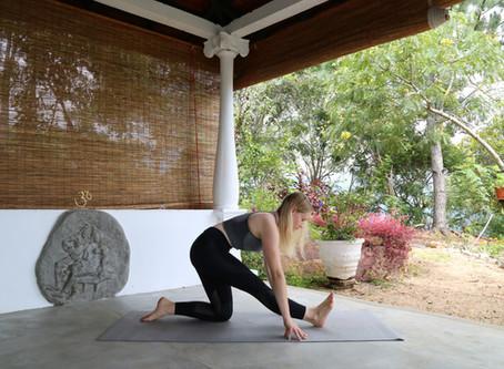 5 Alternative Yoga Poses To The Splits
