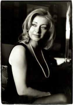 Daniela Dessy, Opera Singer