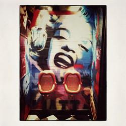 20x20 0015 Marilyn in night club