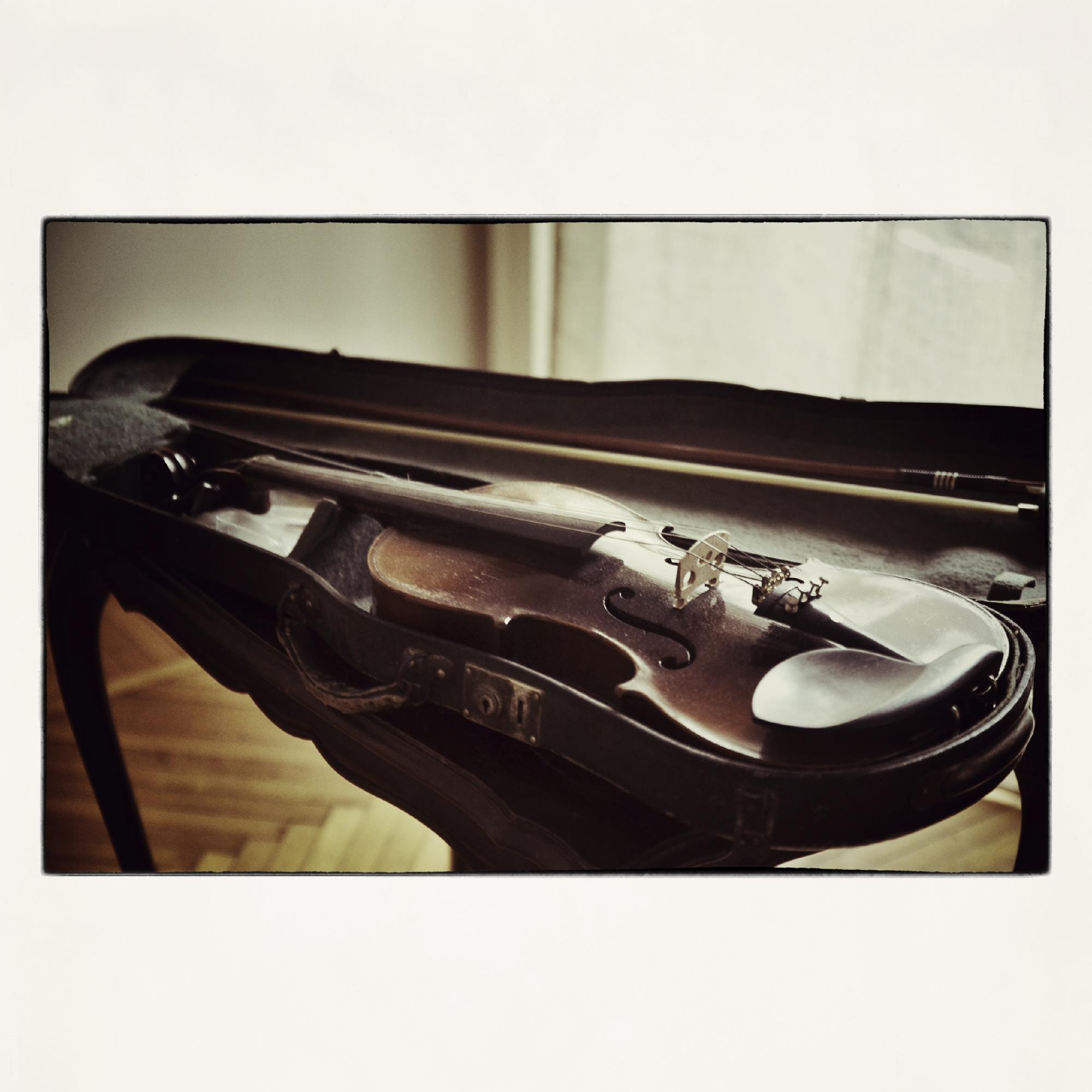 20x20 Grandpa's Violin