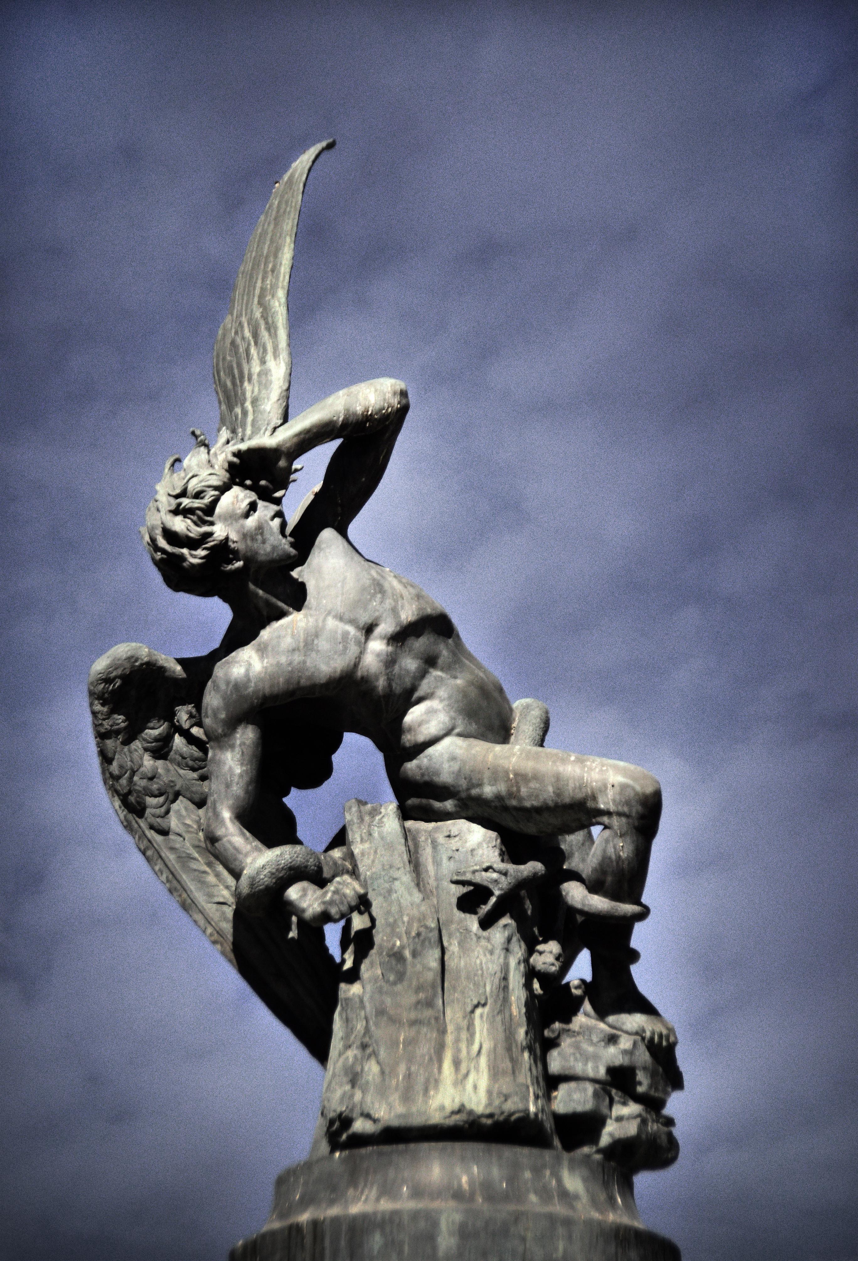 05-04 Madrid, falling angel g copy