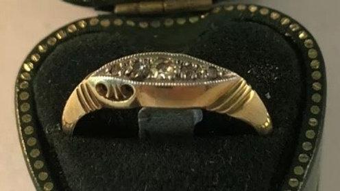 Vintage 18ct Gold Platinum Diamond ring. 1920s.