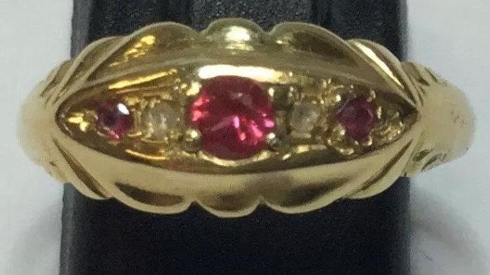 Antique 18ct Gold Ruby & Diamond Ring. 1919.