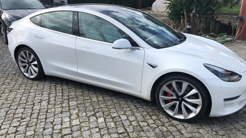 Tesla Model 3 LR Performance