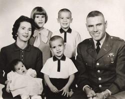 Bobbie, John and their 4 kids