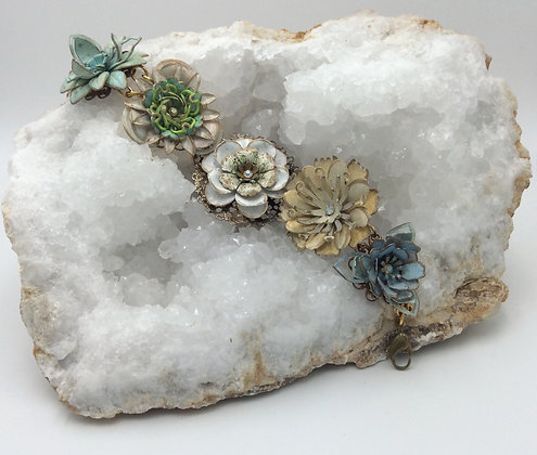 BendyWho - Multi-Flower Bracelet