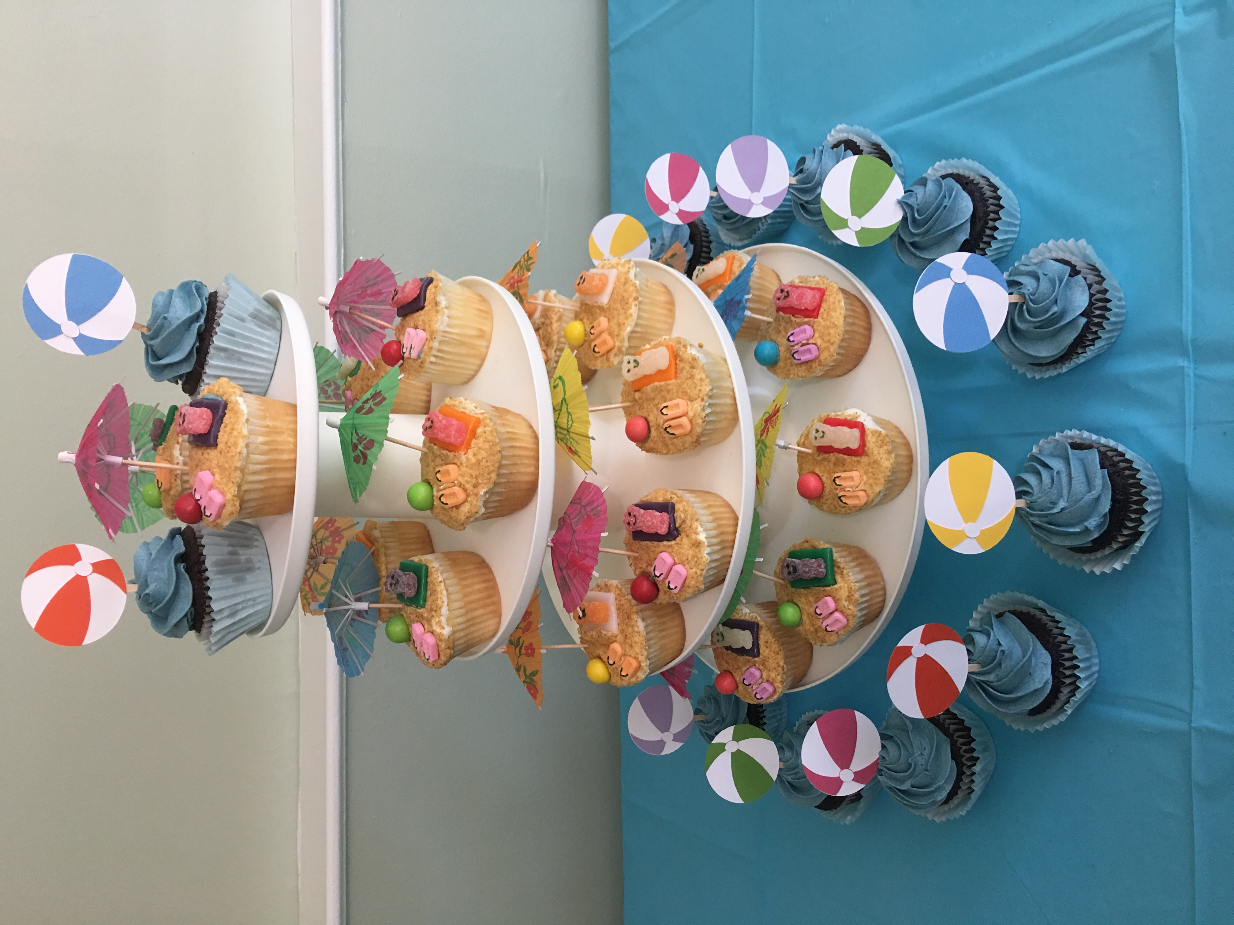 BEACH CUPPIES
