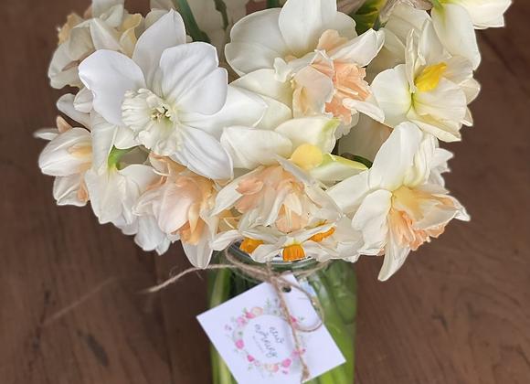 Heirloom daffodil bouquet