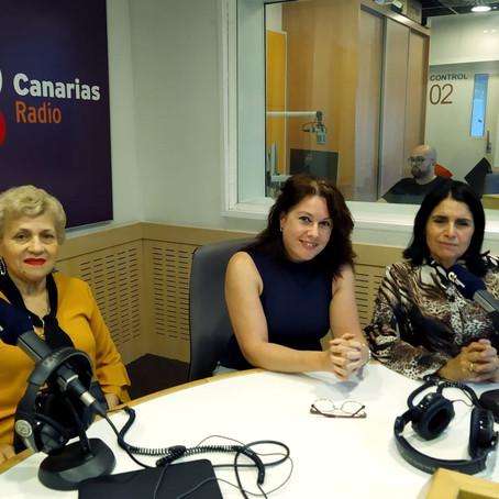 Mujeres cantando a Cuyo