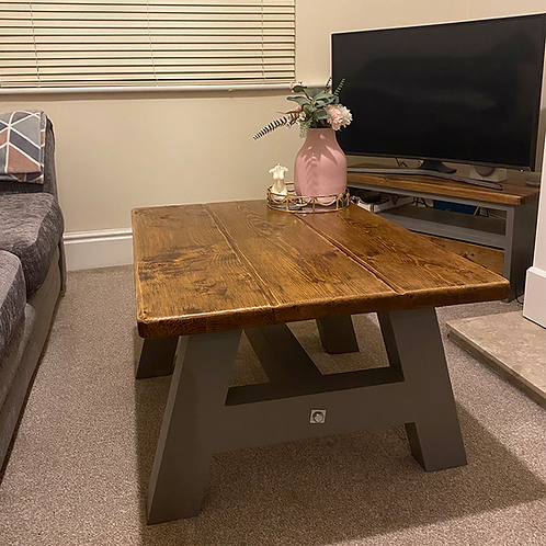 The Rustic Shabby Chic Coffee Table