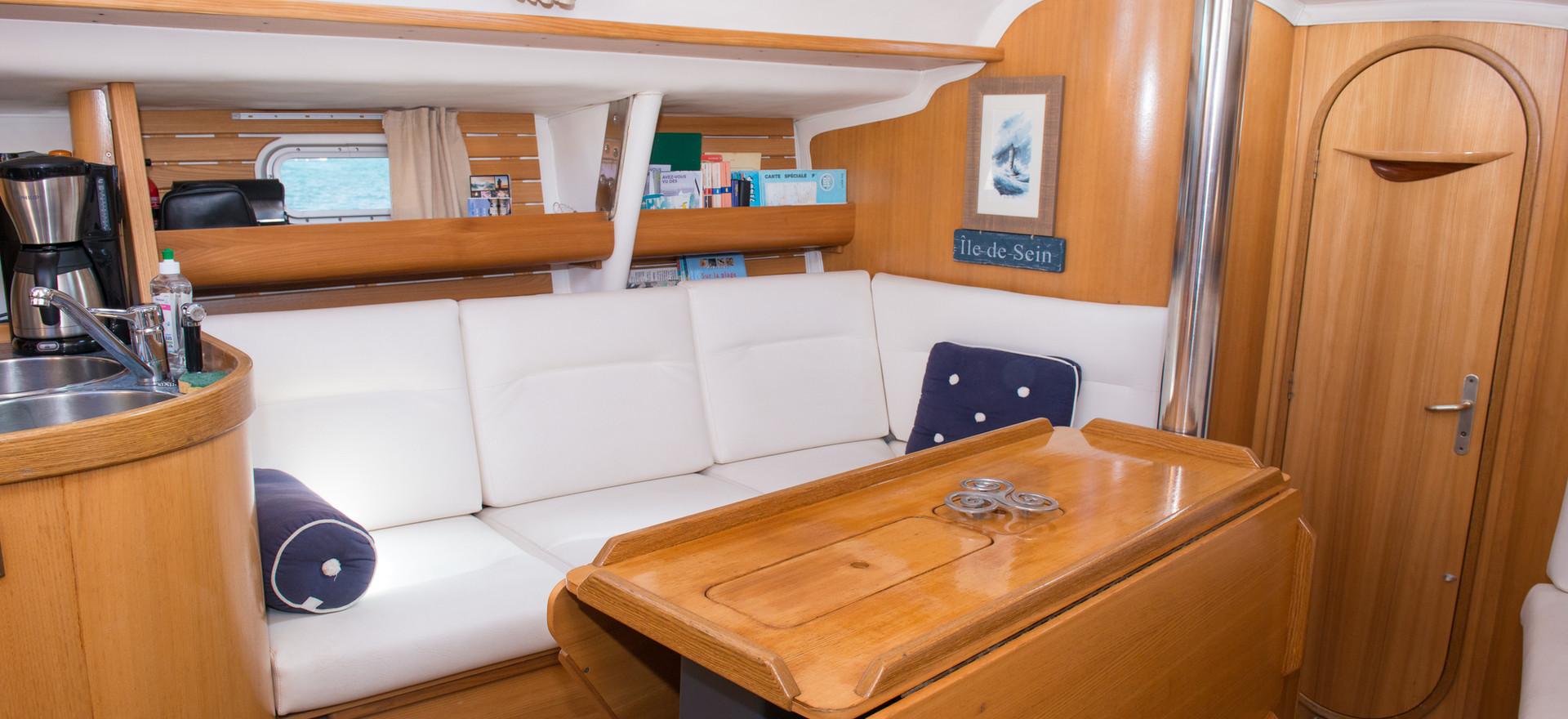 Carré d'équipage cosy voilier Atlantis