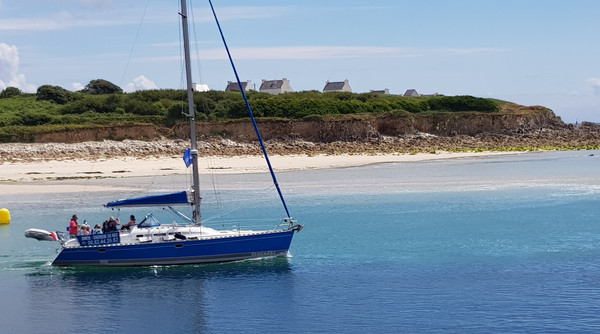 The Atlantis sailboat leaving the port of Audierne