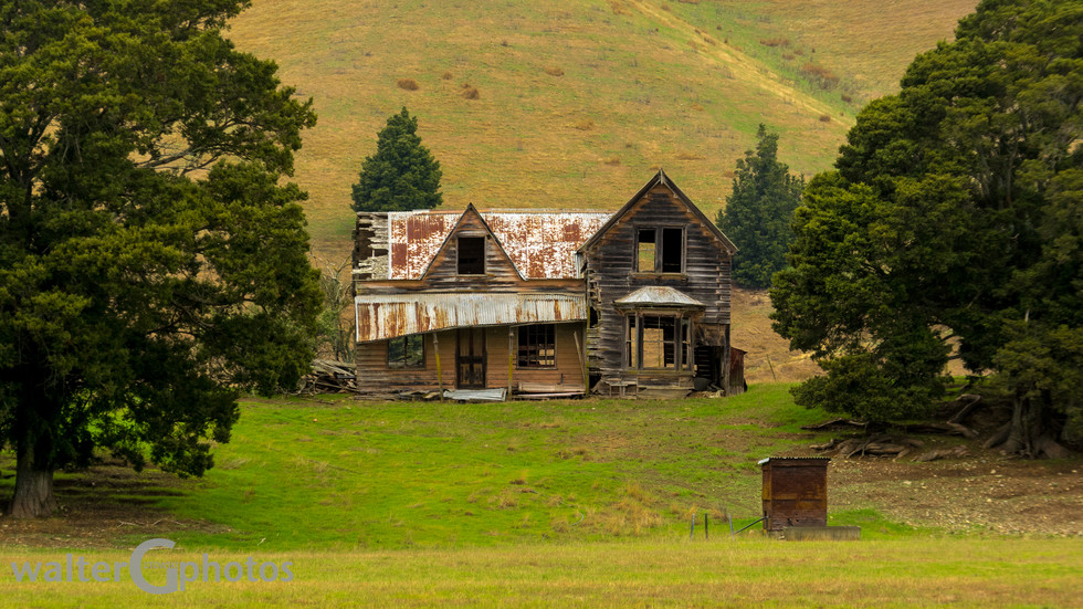 Fixer-upper, Hwy #6, South of Nelson, SI, New Zealand