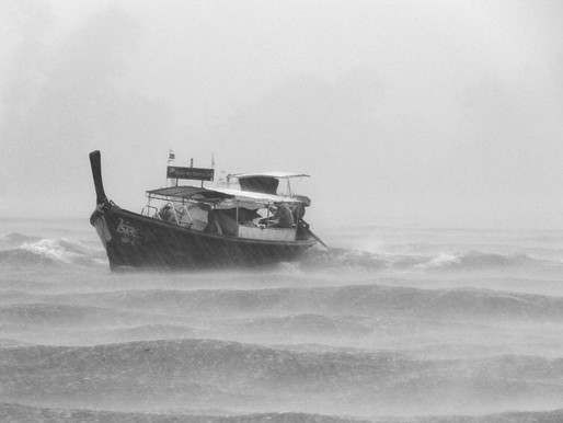 Waspada Gelombang Tinggi di Perairan Indonesia