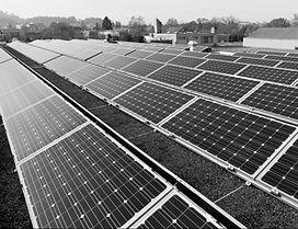 Wir planen und installieren für Sie Photovoltaikanlagen auf Flachdächern, Satteldächern und Fassaden. Zusammen mit der ResiQ AG Burgdorf, welche für das Engineering zuständig ist und der Aeschlimann Dachtechnik AG Burgdorf, sichern wir Ihnen umfassende Fachkompetenz von A–Z zu. Wir stehen für ökonomisch und ökologisch nachhaltige Solarkraftwerke. Solarkraft-Referenzanlagen: Auf dem Flachdach am Einschlagweg 71 und auf dem Schrägdach an der Dammstrasse 64 in 3400 Burgdorf. Beide PV-Anlagen befinden sich in Eigenbesitz, welche wir Ihnen als Referenzanlagen vorstellen und erklären können.