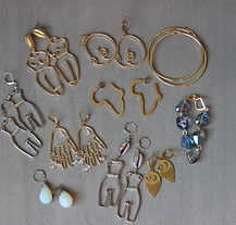 handmade earrings - golden treasure box
