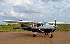 Cessna%20206%20-%20MS%20Taxi_edited.jpg