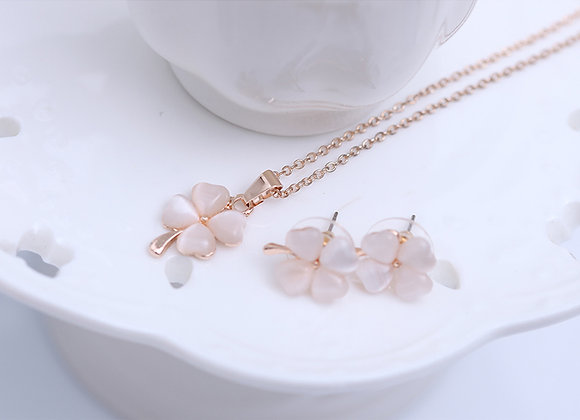 Zinc Alloy Four Petal Animal Eye Necklace Earring Set