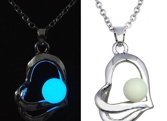 Heart Glow Pendant White Necklace