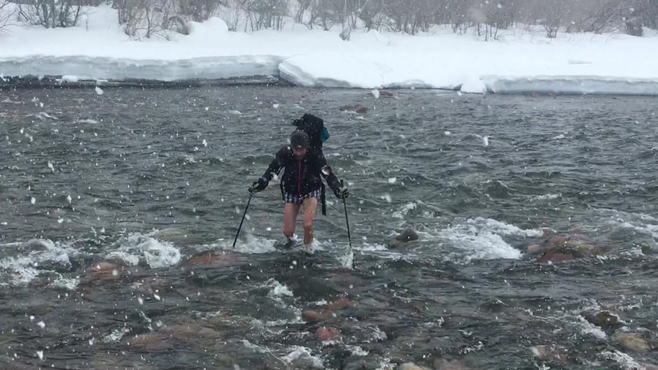 Flussüberquerung Kirgistan (brrrr, kalt wars)