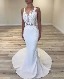 Elegant, plain wedding dress Sheffield.jpeg