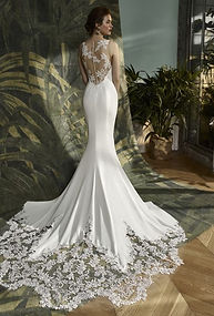 Elegant plain wedding dress, Doncaster.jpeg