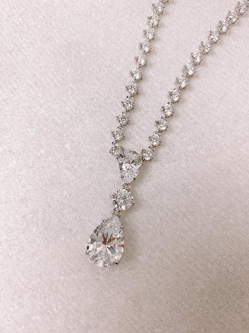 Teardrop Triple Stone Necklace