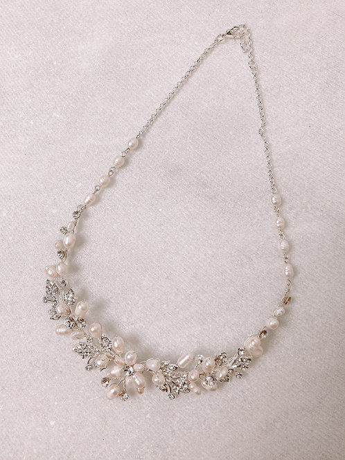 Pearl Cluster Structured Necklace