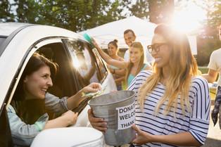 Além da doação financeira: 10 maneiras de ajudar