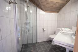 Bad med WC og dusj