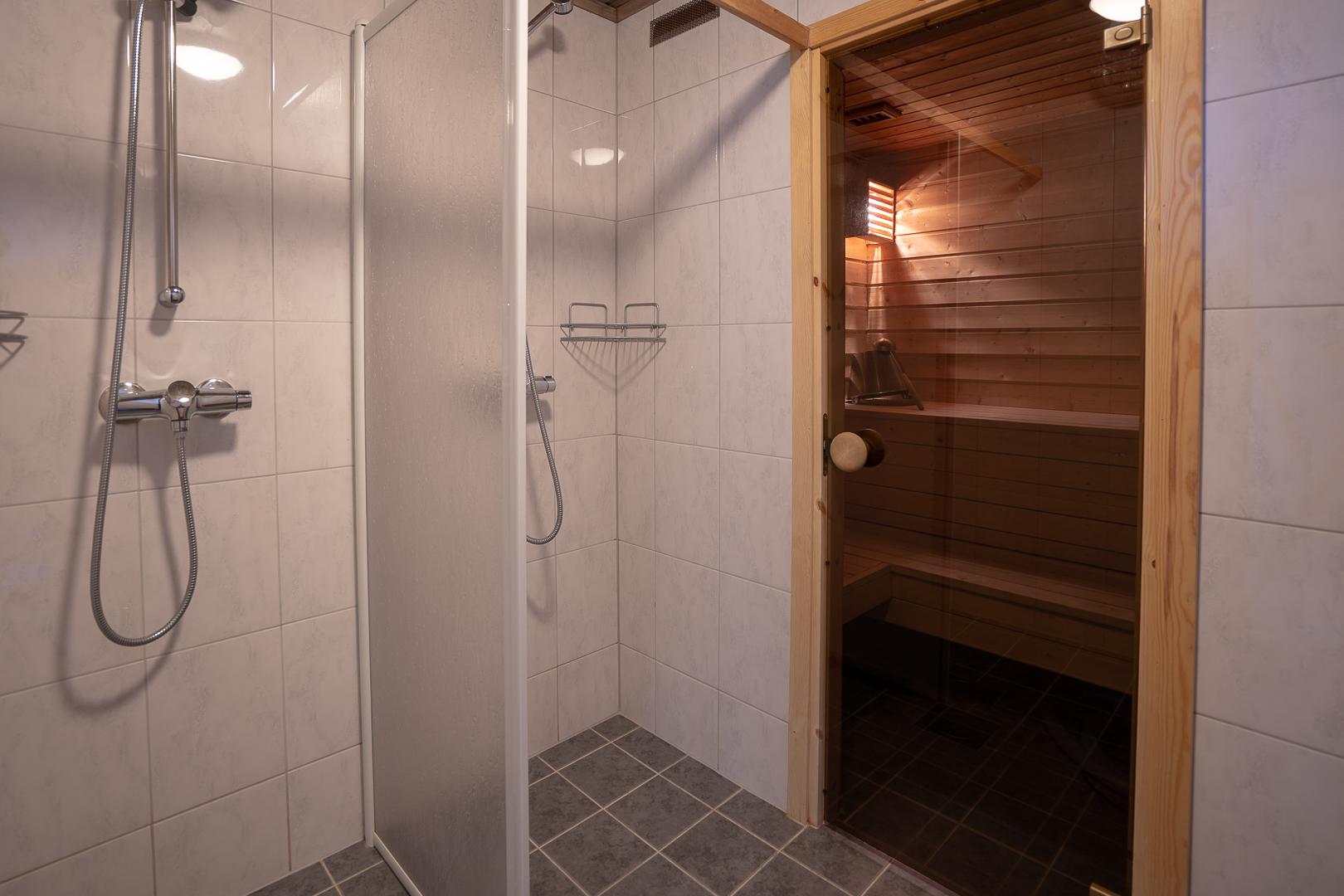 Sauna med dusj