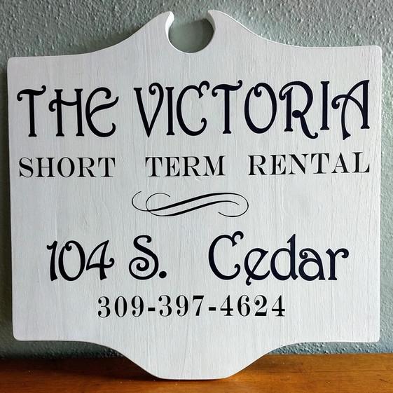 victoria 2_edited.jpg