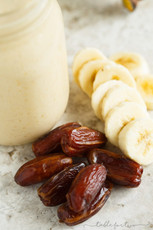 Banana, Peanut Butter & Date Smoothie