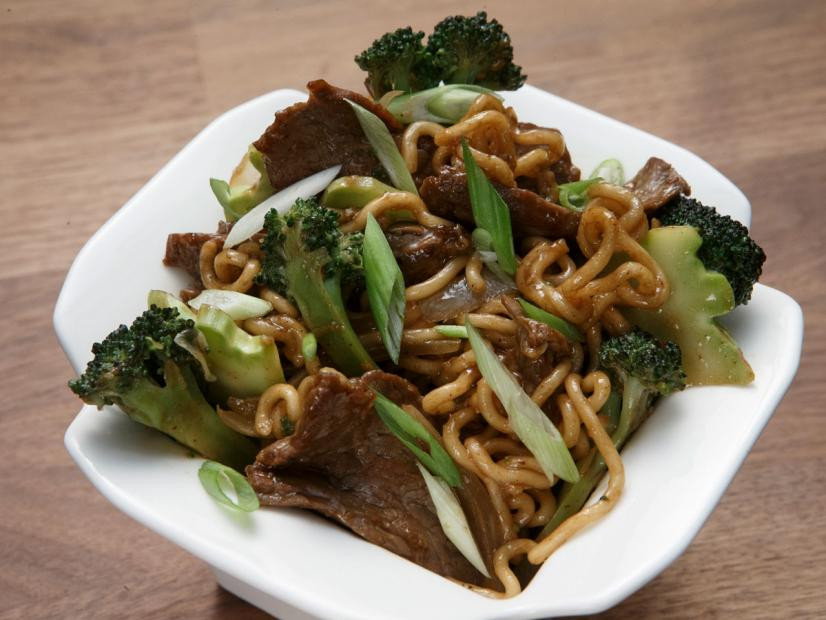Beef & Broccoli Stir-Fried Noodles