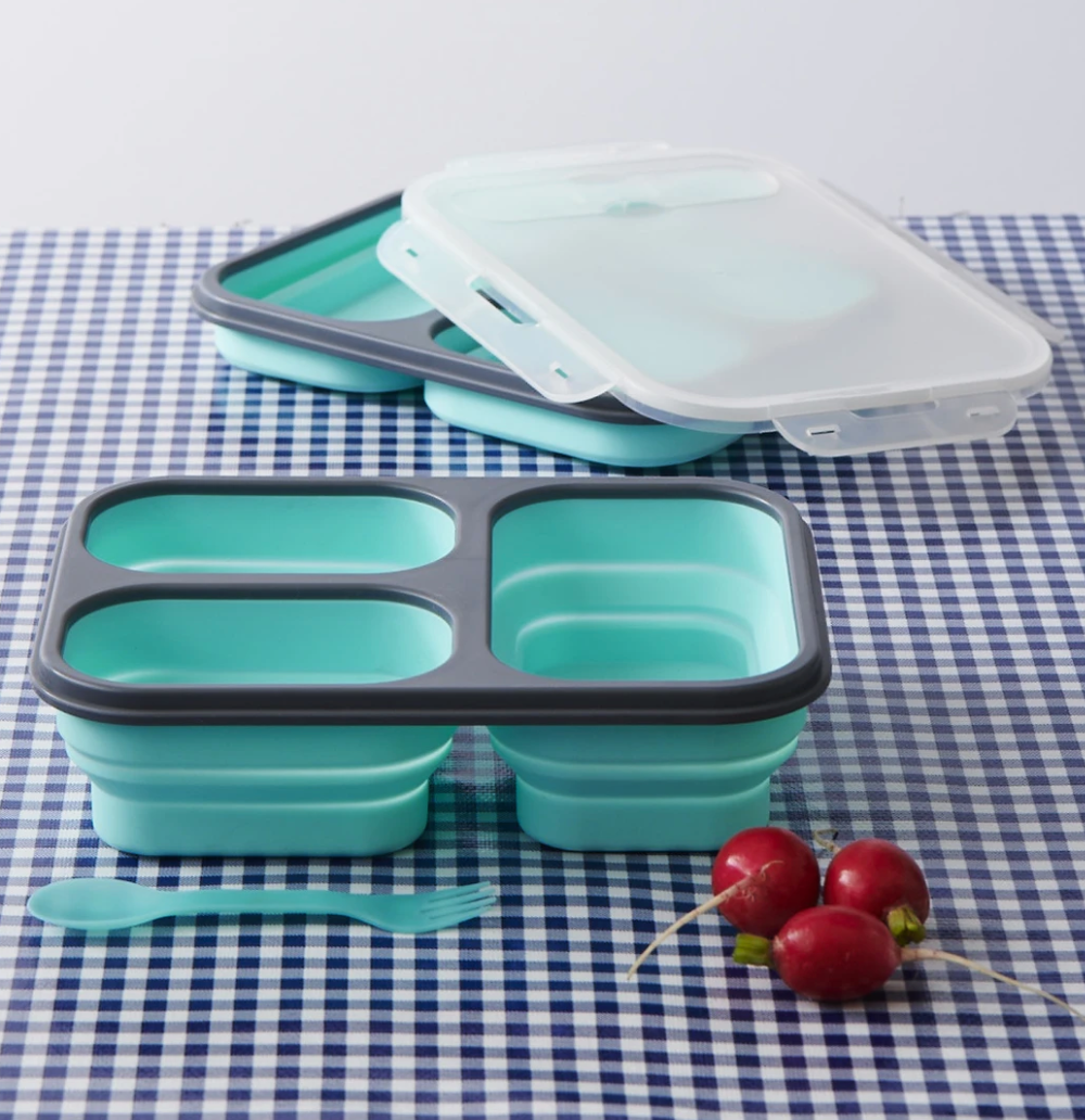 Collapsable silicone containers