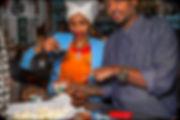 Inhaber Biruk und seine Schwester Rosa Wolde im Adabina Restaurant