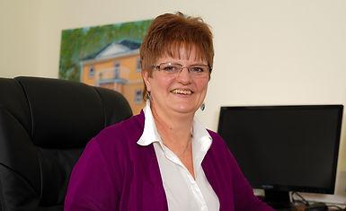 Annette Benk Sekräterin bei der Firma Reinsch Massivhaus GmbH