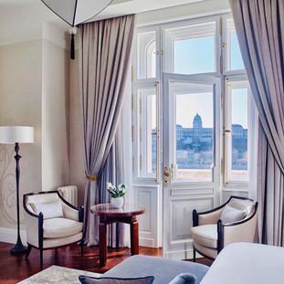 Hotelzimmer mit Aussicht.jpg