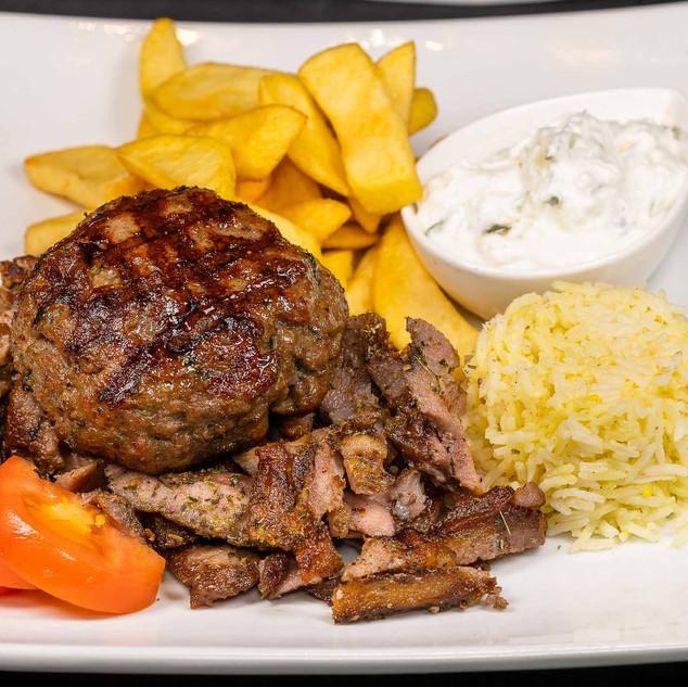 Grillteller mit Bifteki.jpg